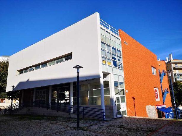 O espaço comercial moderno em Restelo, Belém, para venda!