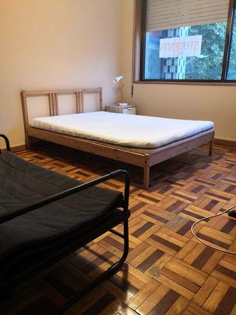 Quartos alugar a 20mts Universidade Fernando Pessoa