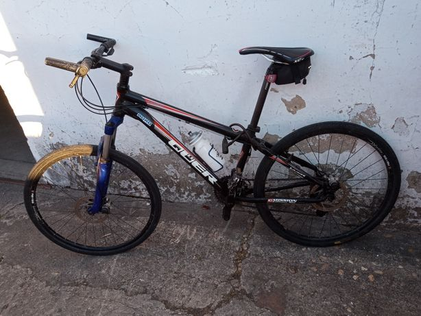 Bicicleta BTT rodas de estrada