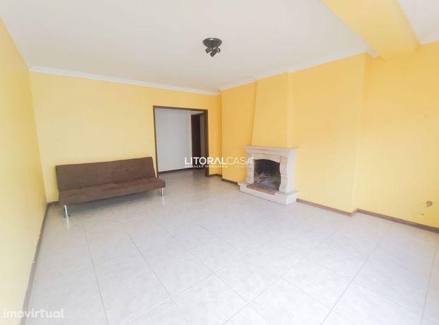 Apartamento T2 localizado em Azurva