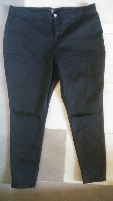 Spodnie z dziurami (46)(bardzo uciagliwe)