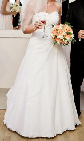 Suknia ślubna kształt A delokt serce