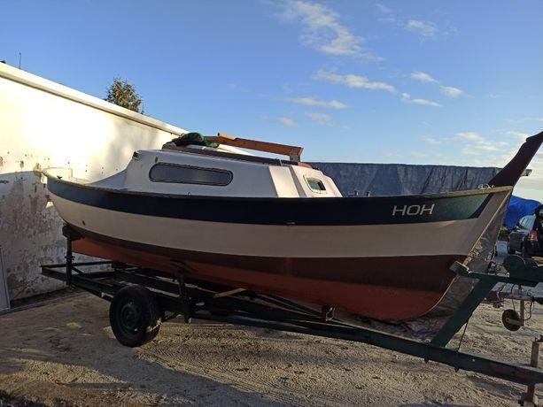 Jacht motorowy/ motorówka Boudignon Capestan nowe materace