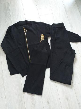 Dzianinowy czarny komplet, dres ze złotymi łańcuszkami, rozmiar uniwer