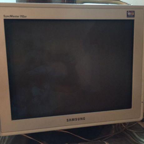 Monitor pc dos antigos dos últimos modelos