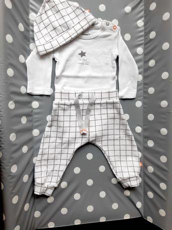 Biały komplet Cool Club, body, spodnie i czapeczka, rozmiar 62