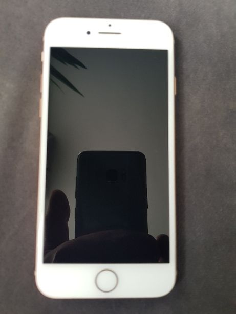IPHONE 8 64GB Gold A1905