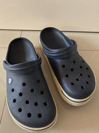 Buty marki crocs - aktualne