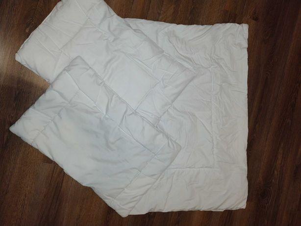 Kołderka i 2 poduszki