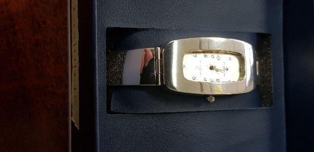 Damski srebrny zegarek prostokątny Srebro 925