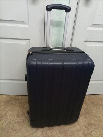 Новая ! Продам дорожная чемодан сумка на колесах