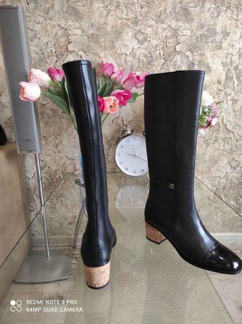 Шикарнейшие женские кожаные сапожки Chanel