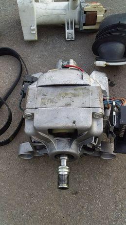Продам мотор з стиралки елєктролюкс