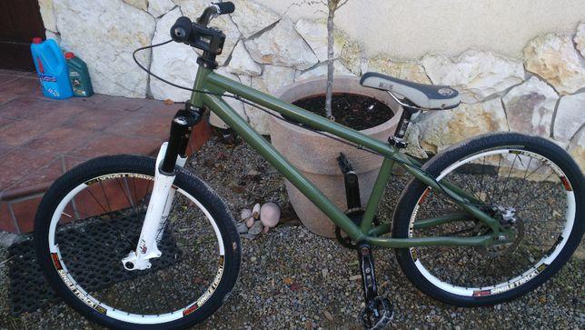 rower dirt spank monkey marzocchi dj3 osprzęt nope
