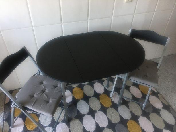 Mesa + 2 cadeiras ( dobráveis )