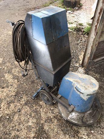 Полотьор, машина для чистки бруківки