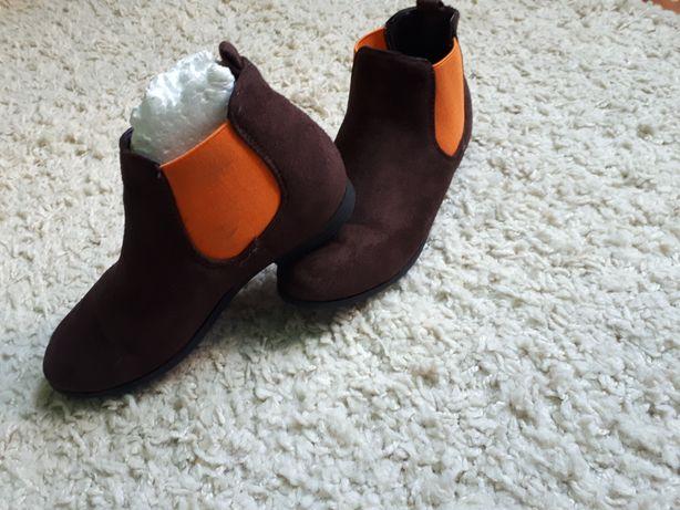 Ботинки челсі