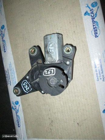 Motor limpa vidros tras 8200001893 RENAULT / LAGUNA / 2002 /