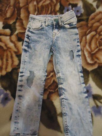 Отдам джинсы 4-5 лет