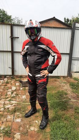 Мотокостюм,шлем,мото боты,мото экипировка,эндуро форма.