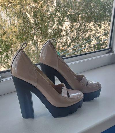 Туфли,босоножки,