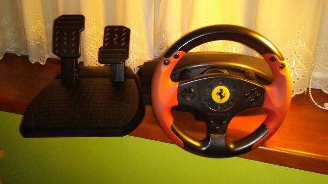 Kierownica THRUSTMASTER Ferrari Racing Wheel Red Legend Edition.