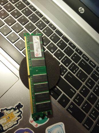 Оперативная память DDR1 1GB Samsung.