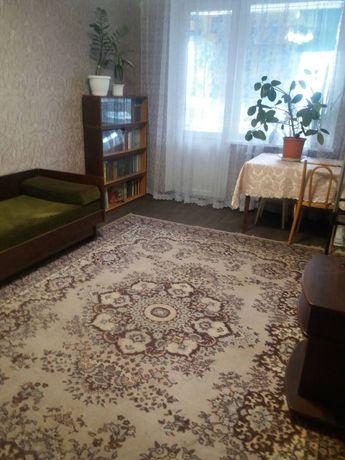 Сдам комнату в трехкомнатной квартире на Баварии