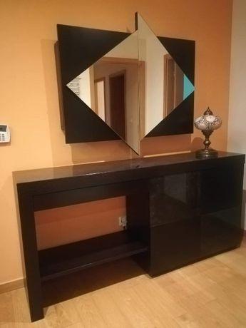 Móveis de hall (sapateira, espelho e bengaleiro)