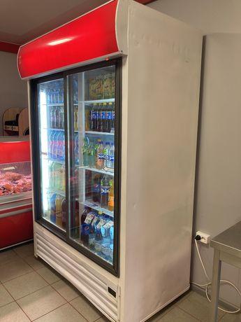 Холодильний шкаф