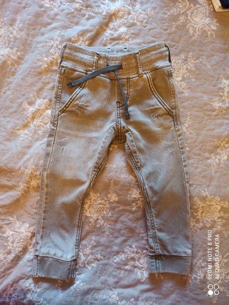 Крутые джинсы H&M на 3-4 года