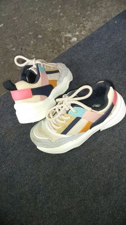 Продам кросівки zara neo balance adidas