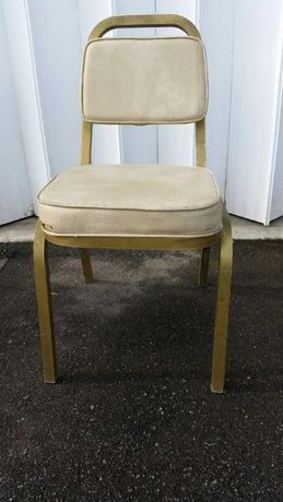 Cadeiras empilháveis em alumínio (reuniões)