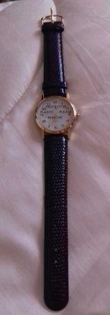 Relógio de Pulso Avon pele preto novo