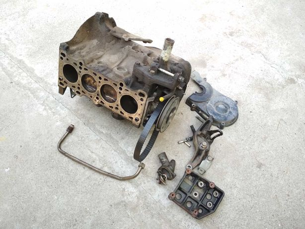 Блок цилиндров двигателя B3 Mazda (Мазда) BG 1989-2000