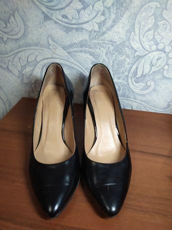 Продам туфли лодочки из натуральной кожи