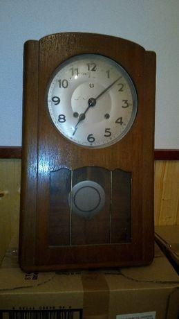 """Relógio antigo de parede da marca """"Reguladora"""""""