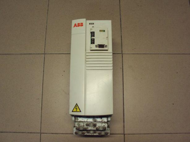 Falownik trójfazowy ABB