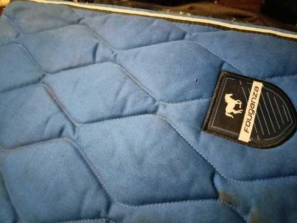 Piękny gruby niebieski czaprak mark Fouganza.