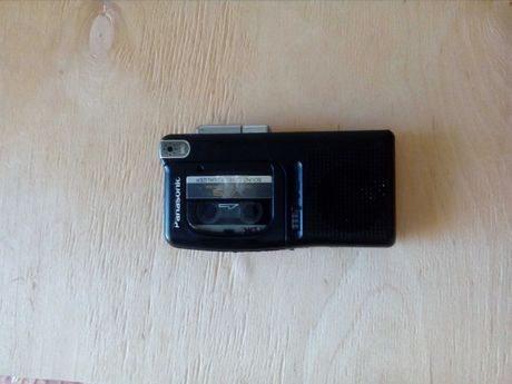 Диктофон касетний