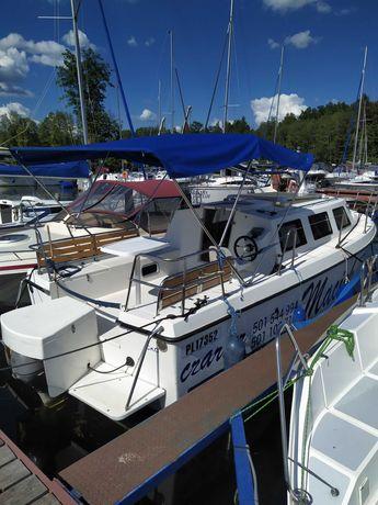 Czarter Jacht motorowy houseboat wynajem łodzi Mazury BEZ PATENTU