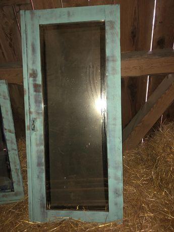 Lustra z drzwi do starej szafy duze i male