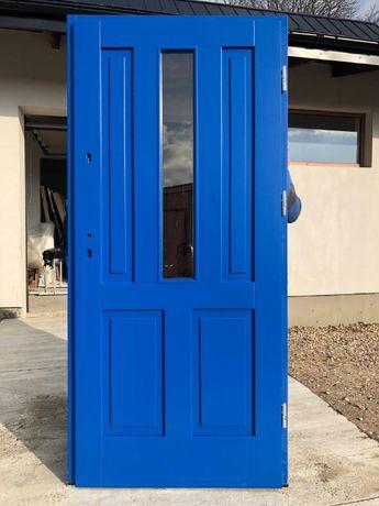 Drzwi zewnętrzne niebieskie drewniane sosnowe