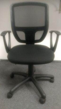 Офисные стулья..