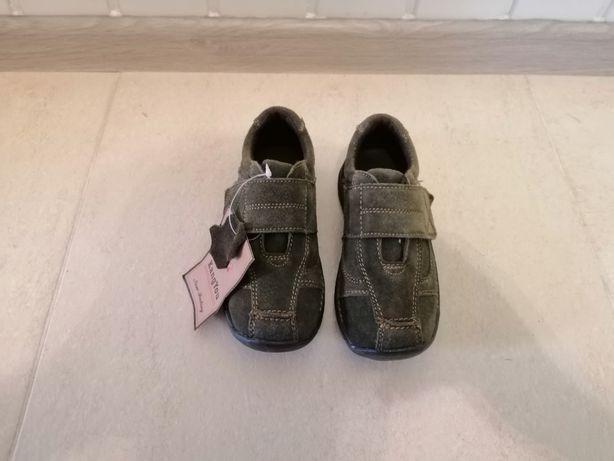 Туфли - кроссовки детские замшевые.