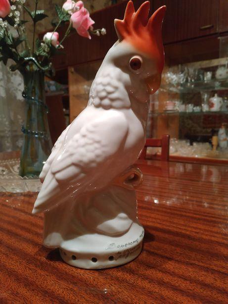 Фарфоровый попугай