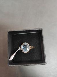 złoty pierścionek z niebieskim oczkiem lombard madej sc