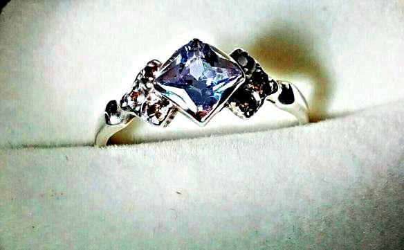 Серебряное кольцо с камнями, 925 проба.