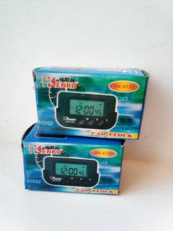 Продаю часы в автомобиль