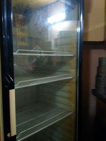 Холодильник для торговли